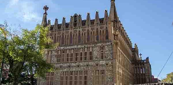 02 - Barcelona - Gaudi - Col-legi Teresia