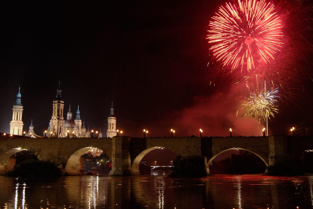 fiestas_del_pilar_fuegos_artificiales