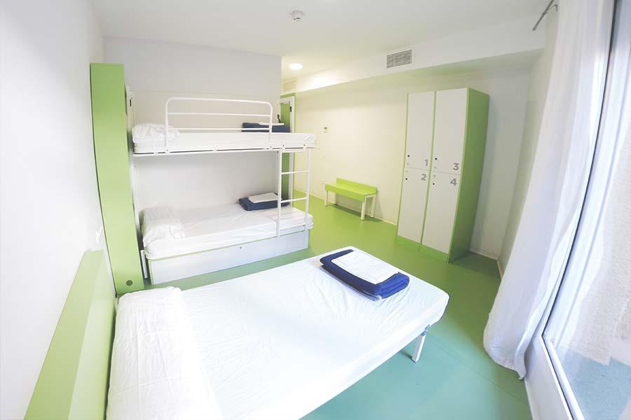 Sagrada-Familia-Hostel-Barcelona-Room-01