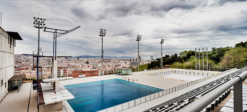 Cooling off at the best pools in barcelona citylife for Piscina montjuic barcelona